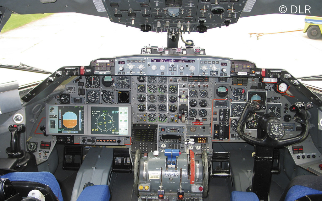 Cockpit of the research aircraft ATTAS, with sidestick (left) and freely programmable displays.