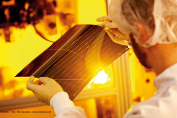 """Dr. Dominik Gronarz: Innovation """"Made in Saxony"""" –  Europe's leading cluster for organic electronics"""